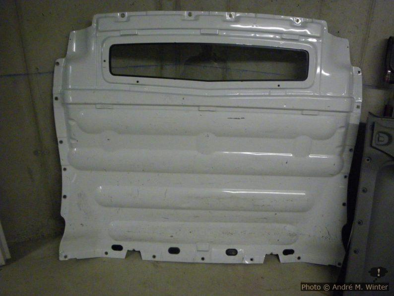 Ausgebaute Trennwand aus einem Renault Trafic