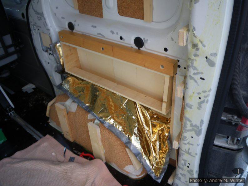 Verbau der Kofferraumseiten