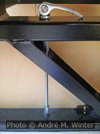 Bild mit Spannvorrichtung der Reimo-Sitzbank