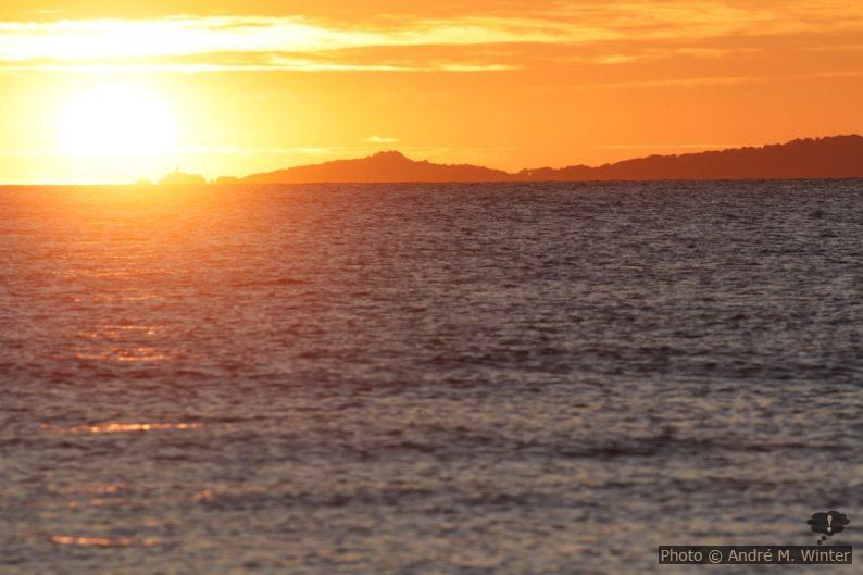 Coucher de soleil sur l'île du Grand Ribaud