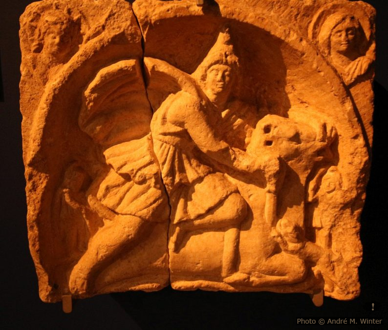 Sculpture duculte de Mithra