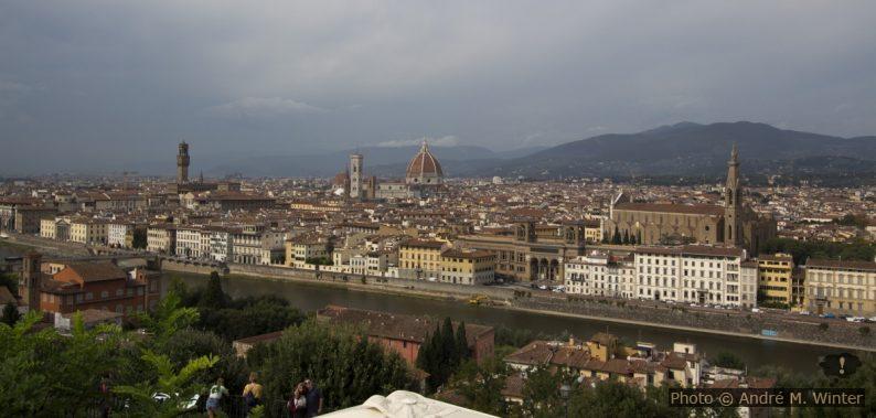 Vue de la Piazzale Michelangelo sur le centre de Florence