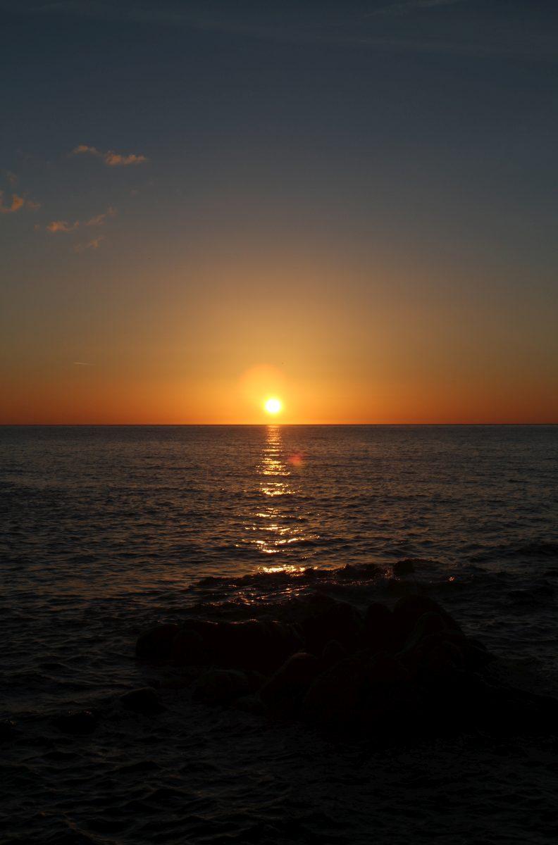 Lever du soleil au Capo Comino
