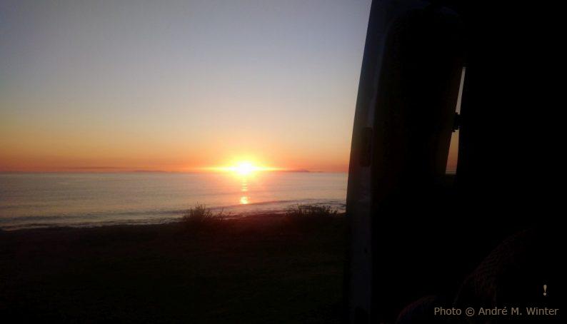 Lever du soleil vu de notre Trafic à Torre Chianca