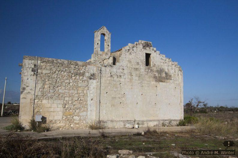 Face arrière et clocher-mur de la Chiesa Santa Maria d'Aurio