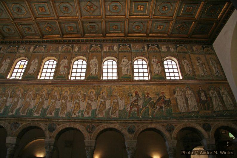 Les saints martyrs de San Apollinare Nouvo