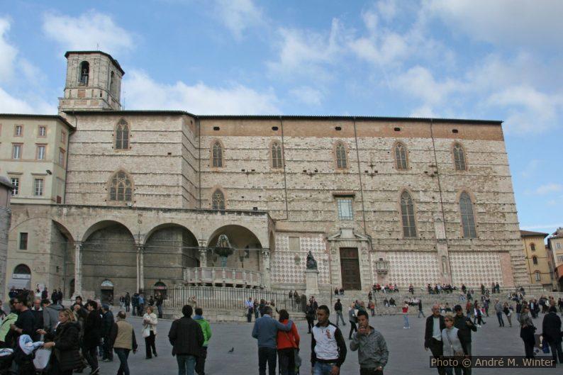 Fontana Maggiore e Cattedrale di San Lorenzo