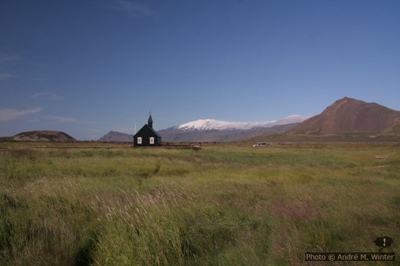 Chapelle de Búðir et le volcan Snæfellsjökull