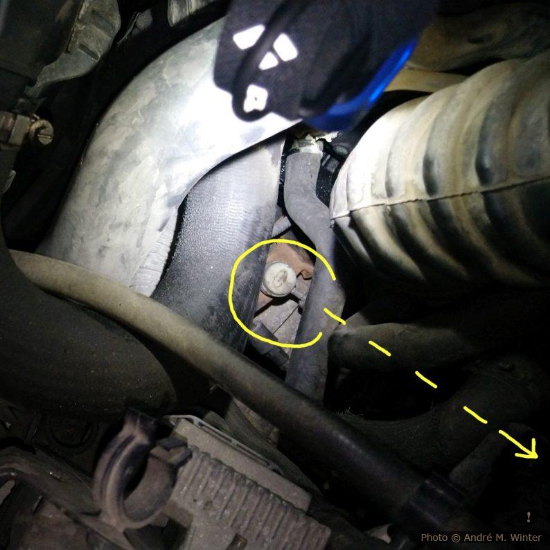 Grosses Schaltseil am Getriebe beim Trafic 2